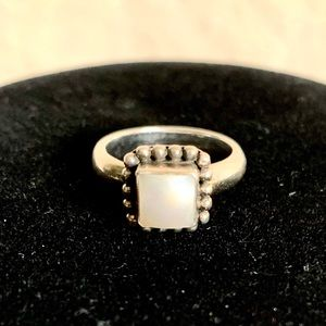 SILPADA Button Frame Mother-of-Pearl Ring Size 5